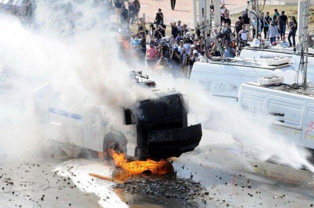 Eylemciler Taksimde TOMA yaktı 4