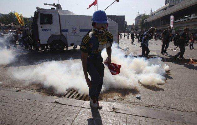 Eylemciler Taksimde TOMA yaktı 5