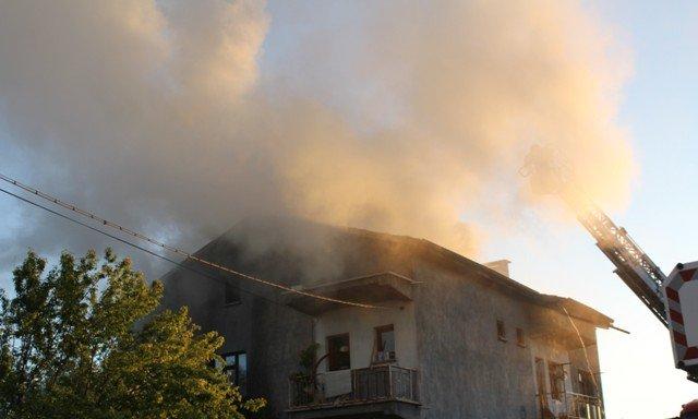 Söndürülmeyen ocak evi yaktı 6