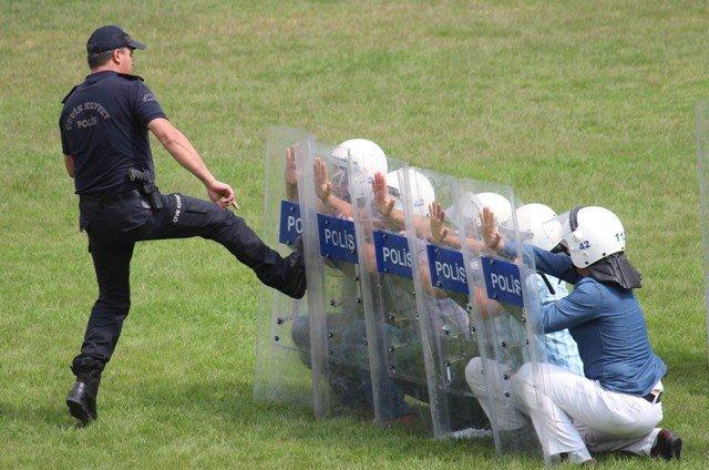 Polise Çevik Kuvvet Eğitimi 11