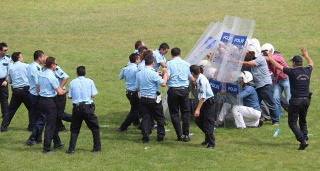 Polise Çevik Kuvvet Eğitimi 12