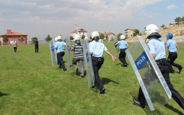 Polise Çevik Kuvvet Eğitimi 4