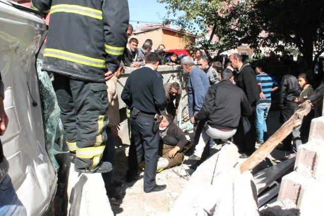 Konyada trafik kazası: 5 yaralı 1