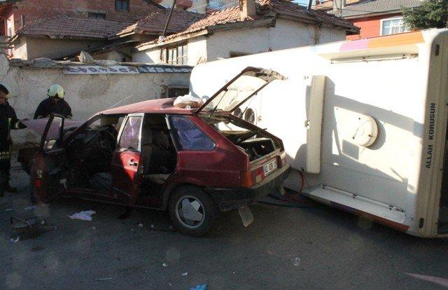 Öğrenci servisi kaza yaptı:1 ölü, 19 yaralı 1