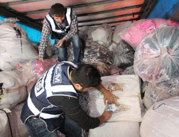 TIRda 1,5 milyon liralık kaçak sigara ele geçirildi 1