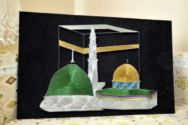 Bin çivi ve bin metre tel ile Rabia işareti yaptı 11
