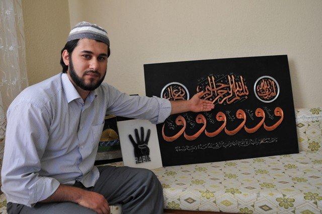 Bin çivi ve bin metre tel ile Rabia işareti yaptı 7