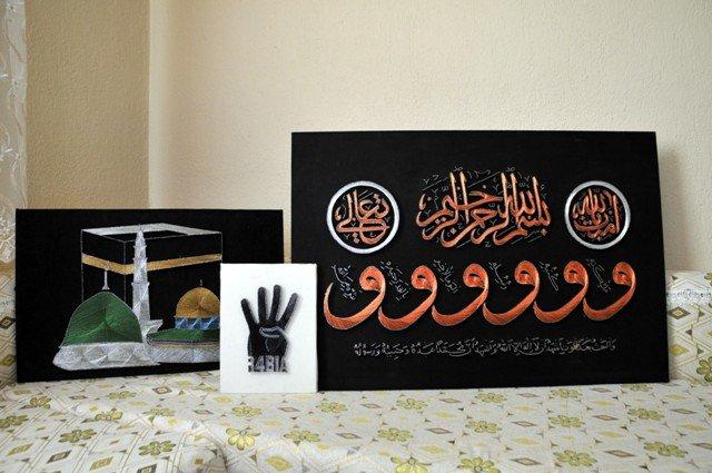Bin çivi ve bin metre tel ile Rabia işareti yaptı 8