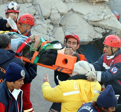 Van depremi 15