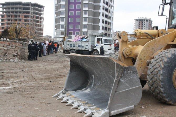 Konyada 300 polisle yıkım 1