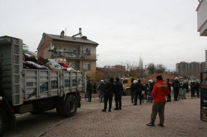 Konyada 300 polisle yıkım 5