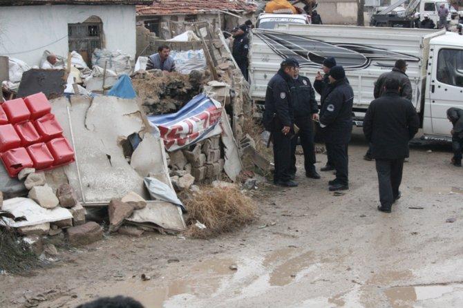 Konyada 300 polisle yıkım 6
