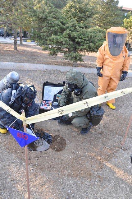 Kimyasal tehditle savaş onlardan soruluyor 10