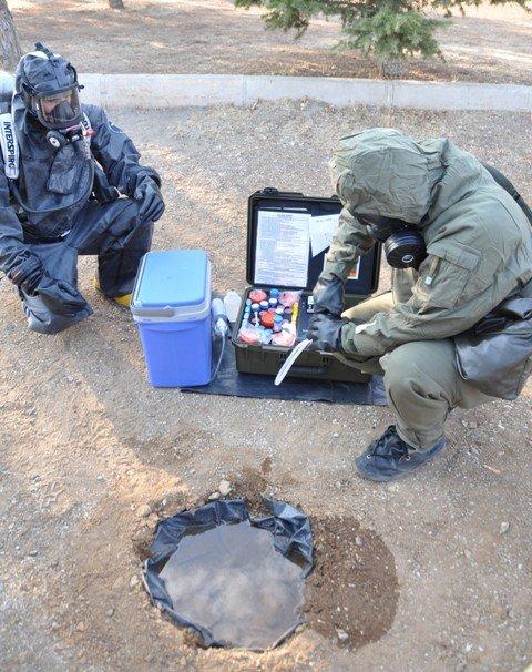 Kimyasal tehditle savaş onlardan soruluyor 3
