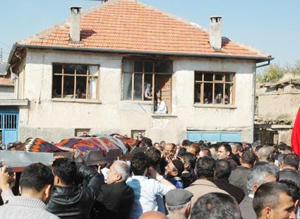 Depremde ölen Konyalı öğretmenler 9