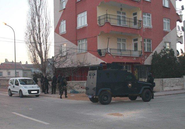 Konyada örgüt liderine baskın: 20 gözaltı 3