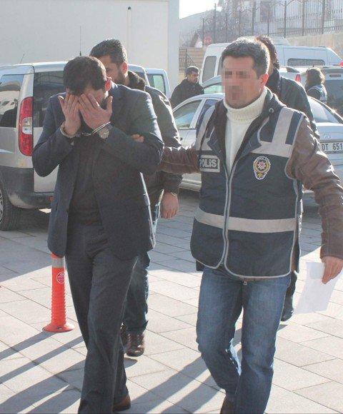 Konyada örgüt liderine baskın: 20 gözaltı 5