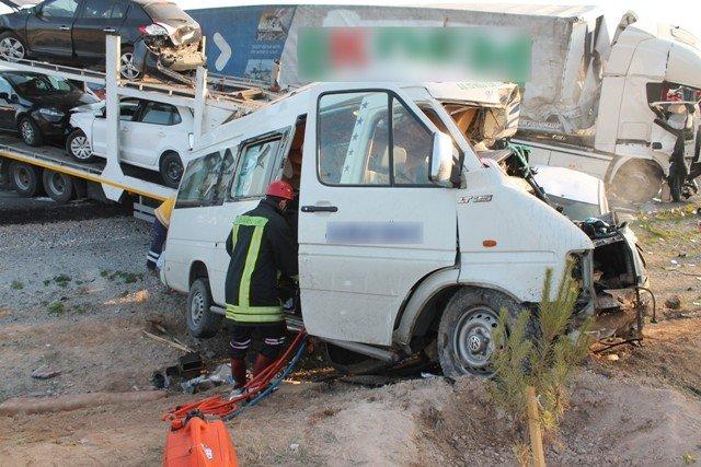 Konyada feci kaza: 9 ölü! 3