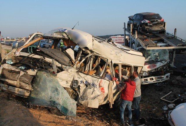 Konyada feci kaza: 9 ölü! 5