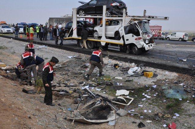 Konyada feci kaza: 9 ölü! 6