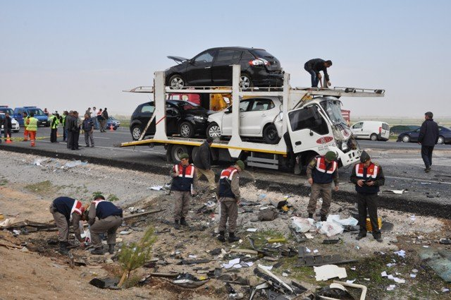 Konyada feci kaza: 9 ölü! 7