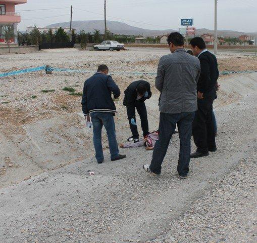 Konyada bir kadın bıçaklanarak öldürüldü 1