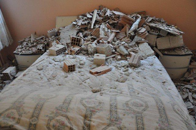 Yan binadaki çalışma yatak odasının duvarını yıktı 7