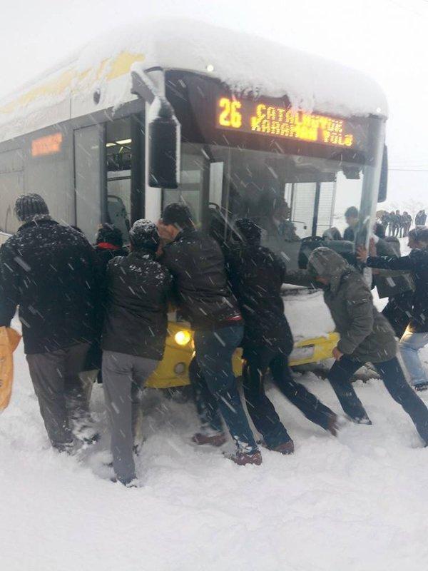 Belediye otobüsleri yollarda kaldı 7