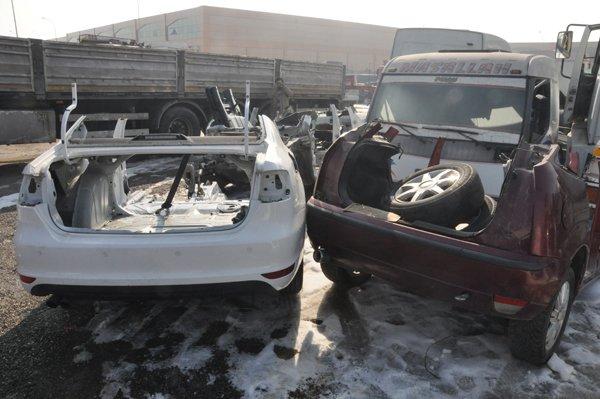 Son model araçları parçalayıp satmışlar 2