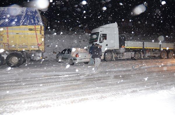 Konyada ulaşıma kar engeli 3