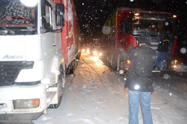 Konyada ulaşıma kar engeli 5