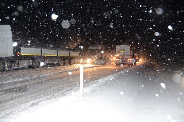 Konyada ulaşıma kar engeli 6