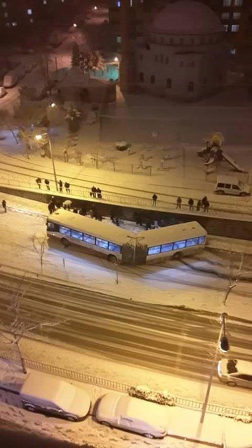 Belediye otobüsleri kazalarla anılıyor 14