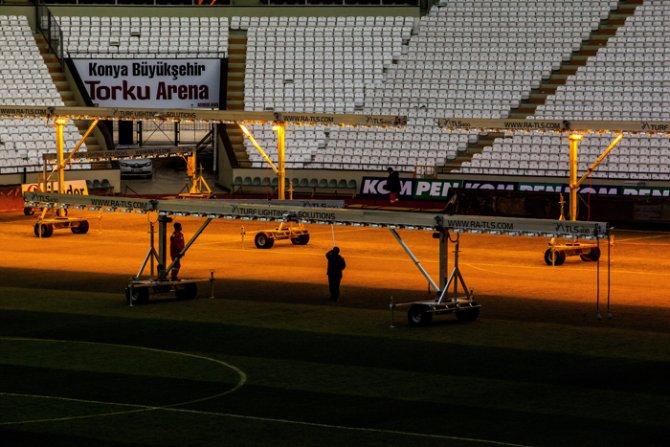 Torku Arenada çimler solaryumla esmerleşiyor 2