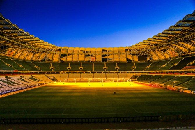 Torku Arenada çimler solaryumla esmerleşiyor 5