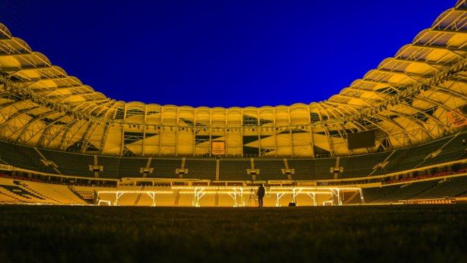 Torku Arenada çimler solaryumla esmerleşiyor 6