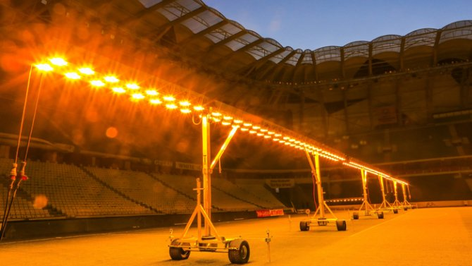 Torku Arenada çimler solaryumla esmerleşiyor 8