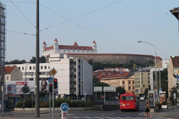 Yarı Alman yarı Macar bir ülke Slovakya 19