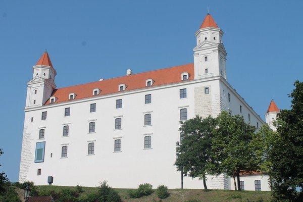 Yarı Alman yarı Macar bir ülke Slovakya 21
