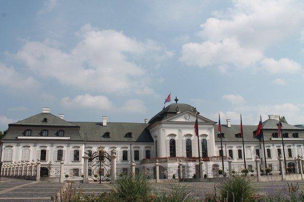 Yarı Alman yarı Macar bir ülke Slovakya 27