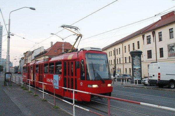 Yarı Alman yarı Macar bir ülke Slovakya 6