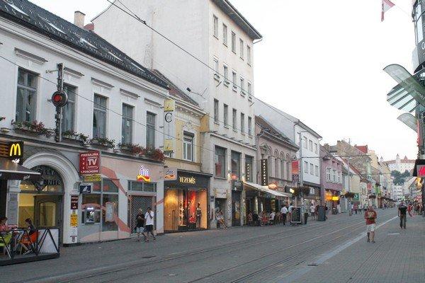 Yarı Alman yarı Macar bir ülke Slovakya 7