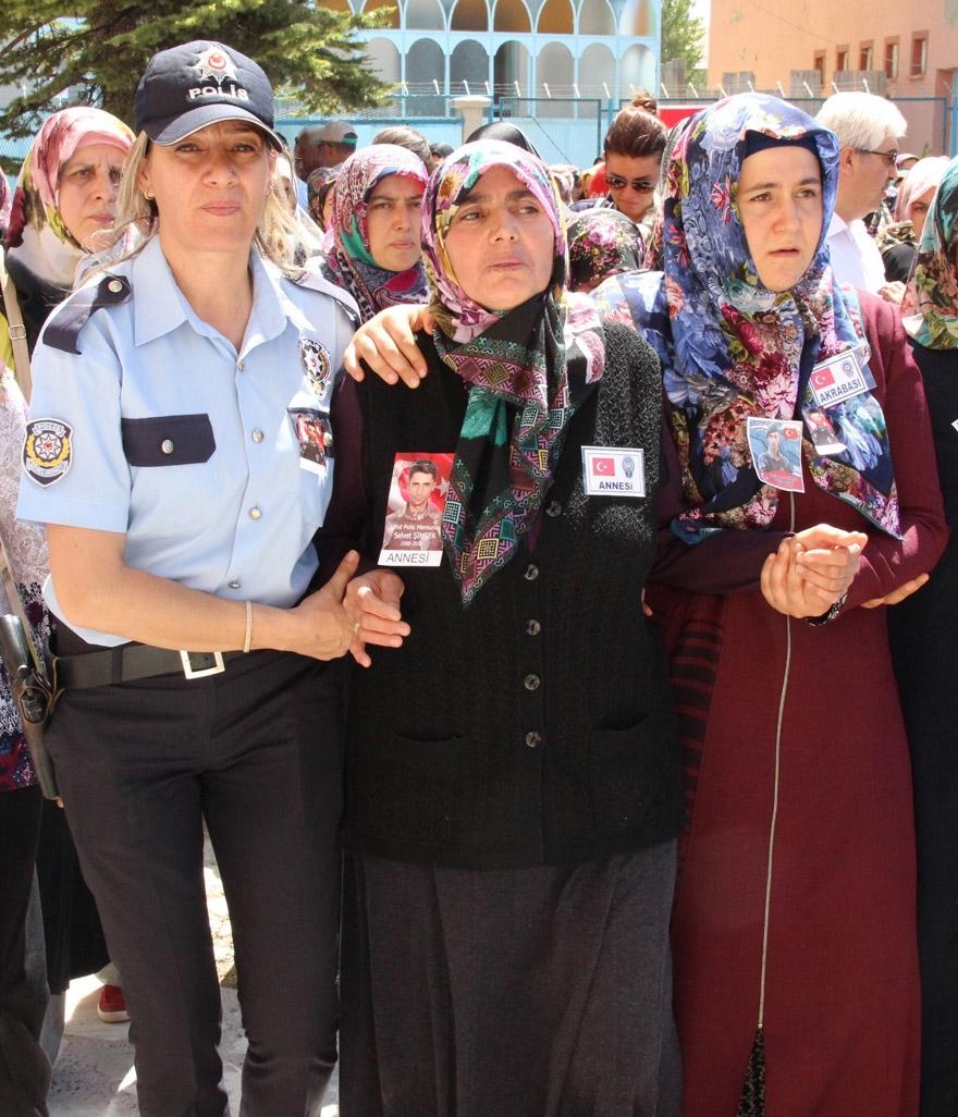 Konyalı şehit polis son yolculuğuna uğurlandı 6