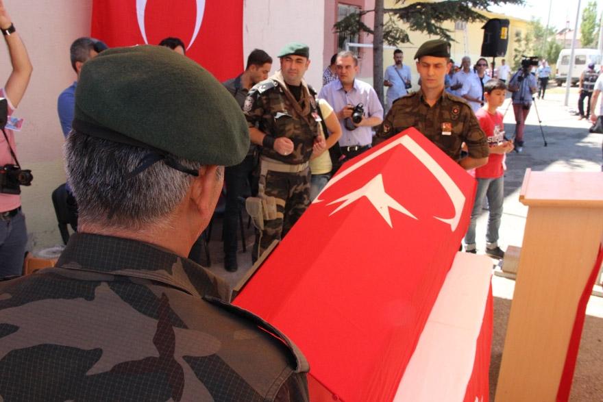 Konyalı şehit polis son yolculuğuna uğurlandı 9