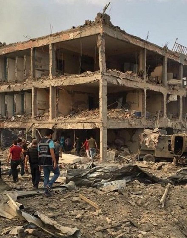 Cizre Emniyet Müdürlüğü Binasına Bombalı Saldırı 1