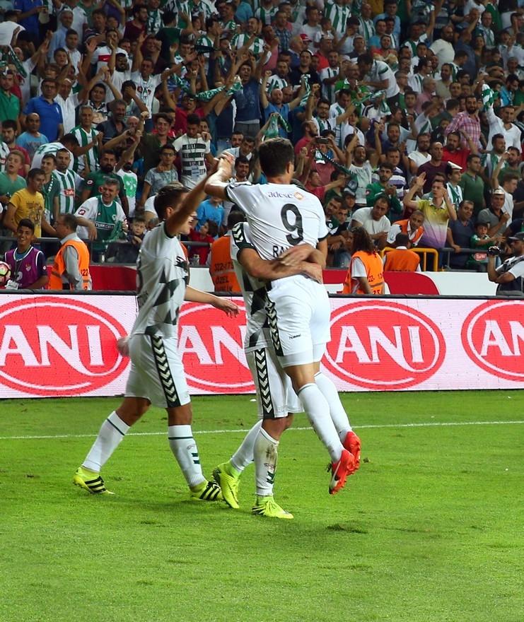 Konyaspor-Beşiktaş maçından enstantaneler 14