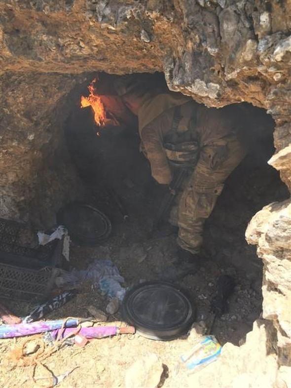 PKK mağarasından çıkan Davutoğlu ayrıntısı! 13