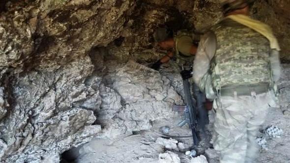 PKK mağarasından çıkan Davutoğlu ayrıntısı! 17