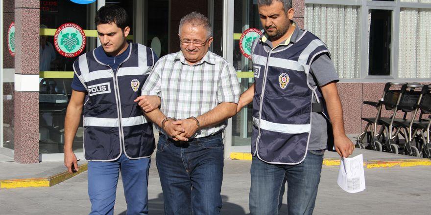 Konya'da 14 akademisyen gözaltına alındı