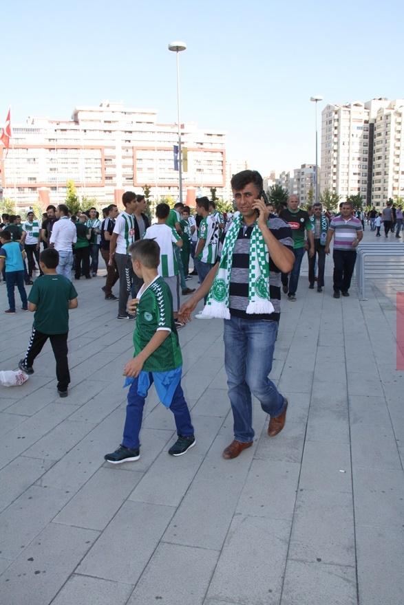 Konyspor-Gençlerbirliği maçı öncesi kameralara yansıyanlar 4